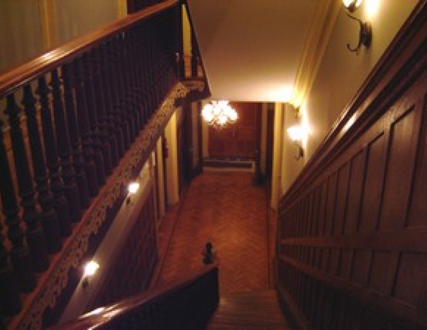 1401 Madison Ave - Main Hallway